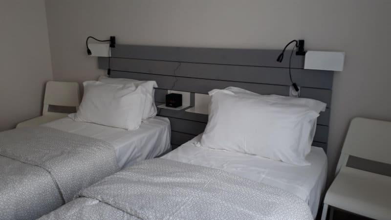 Chambre avec lits jumeaux dans appartement proche des thermes de Jonzac