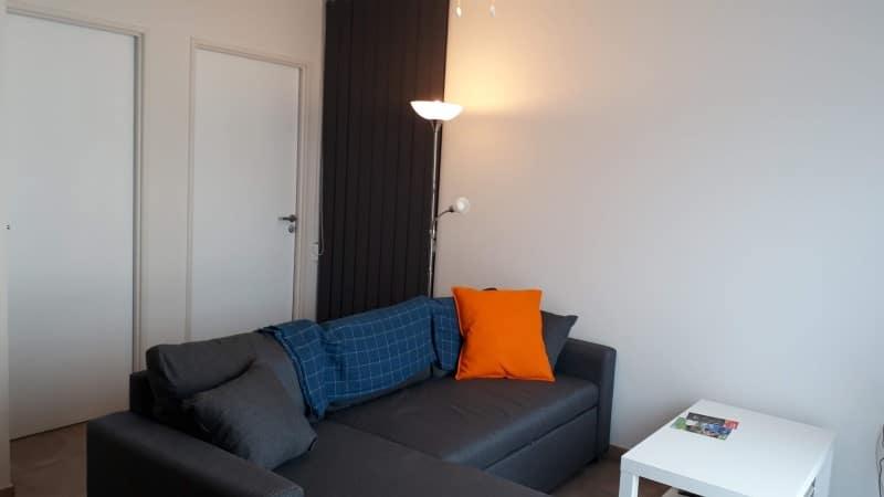 Canapé avec méridienne dans meublé à louer pour cure ou vacances à Jonzac