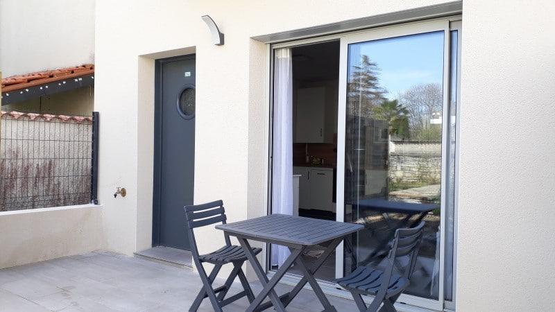 Terrasse plein-pied d'un appartement en résidence cure thermale à Jonzac