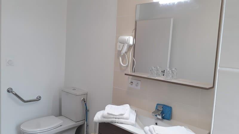 Sanitaires location cure à Jonzac