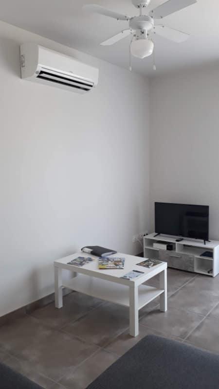 Studio avec TV Canal+ à Jonzac