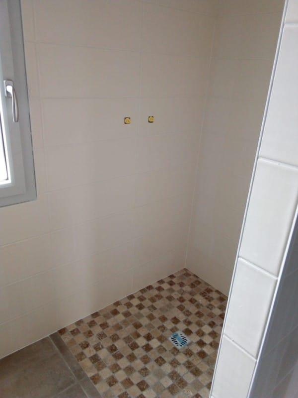Location cure Jonzac faïence salle de douche