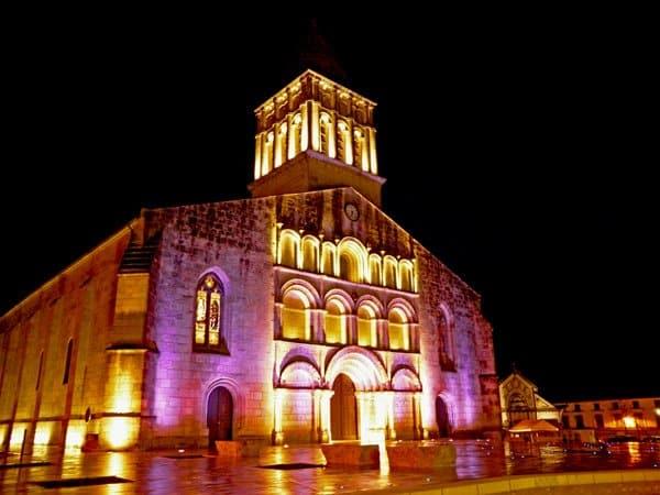 Eglise de Jonzac de nuit