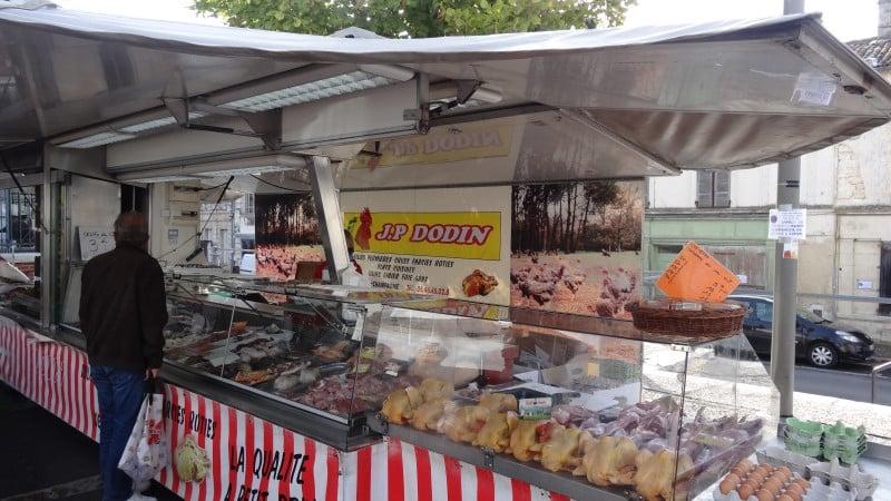Commerce au marché de Jonzac