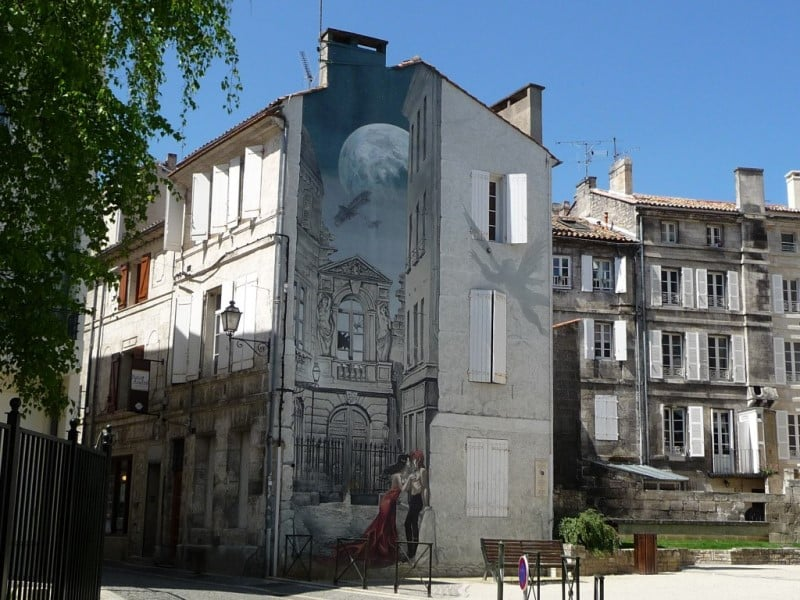 Façade peinte à Angoulême