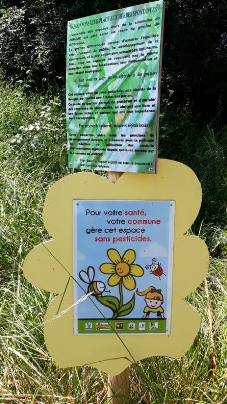 La vie sans pesticides, gestion différenciée des espace verts de Jonzac