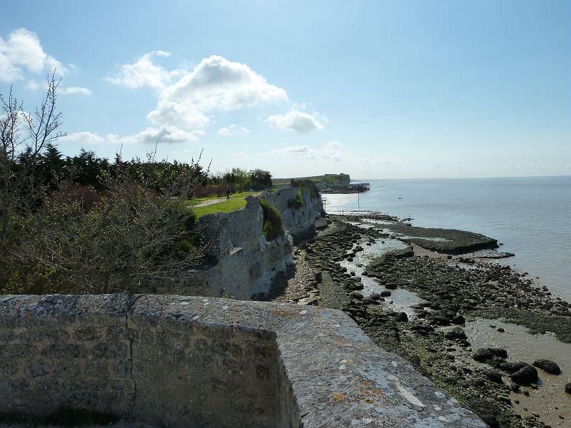 Vue sur le littoral à Talmont sur l'estuaire de la Gironde
