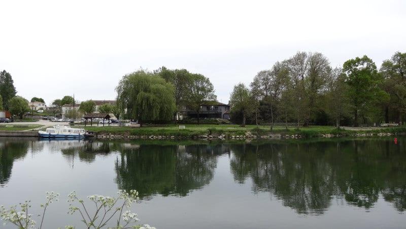 Bourg-Charente et son port