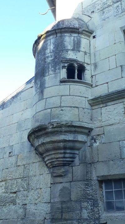 Ornement d'une maison de la cité de Pons