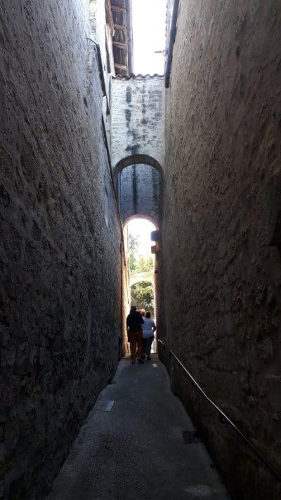 Ruelle de la citadelle médiévale de Pons