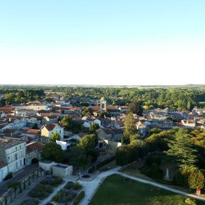 Eglise Saint-Martin vue depuis le donjon de Pons