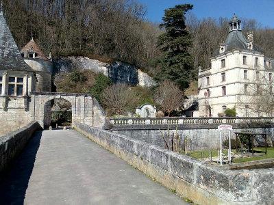Sur le Pont Coudé à Brantôme